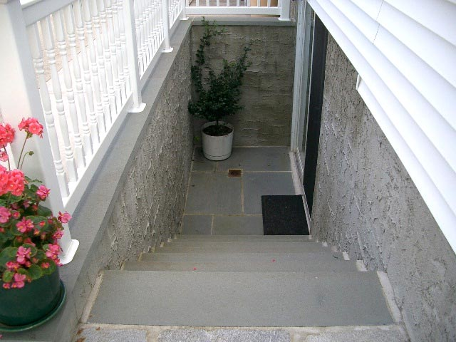 An outside entrance basement pro utah for Basement entry
